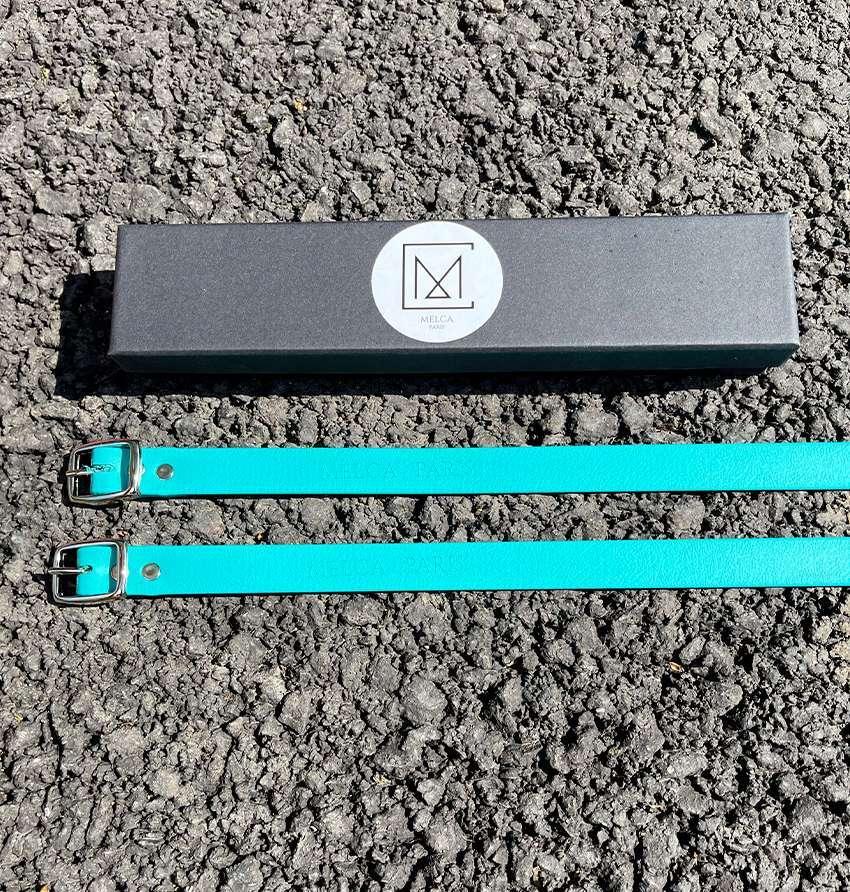 Lanières à éperons turquoise